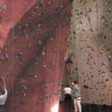 Card vertex climbing center indoor climbing gym homepage530 x 350 65 kb jpeg x