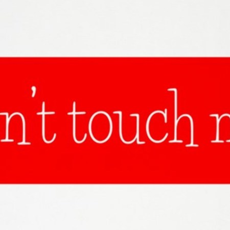 Card dont touch me 5x7area rug
